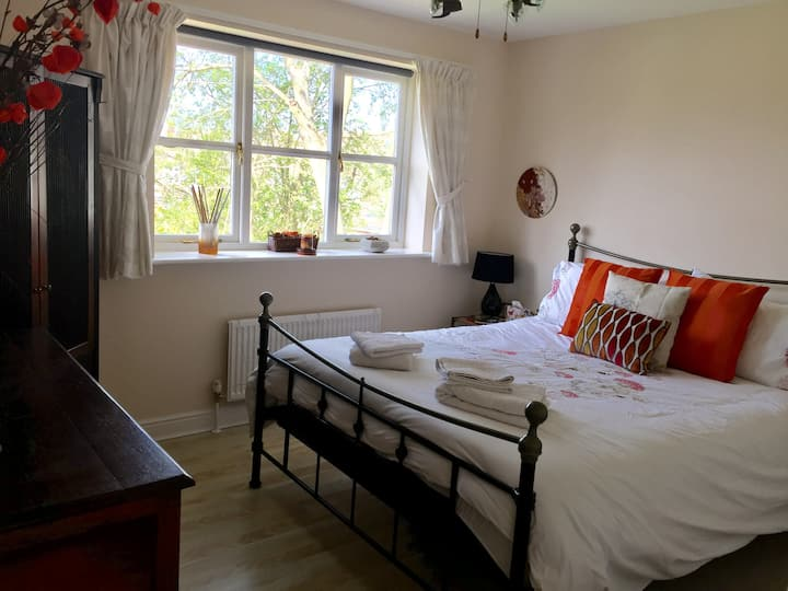 Takeley tranquil double room near Stansted Airport