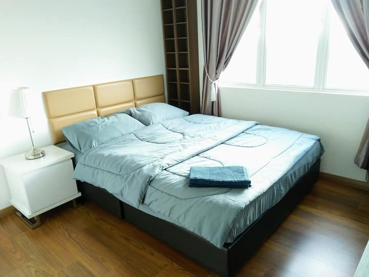 Cozy Double Room [WIFI] [Legoland] [Shared Space]
