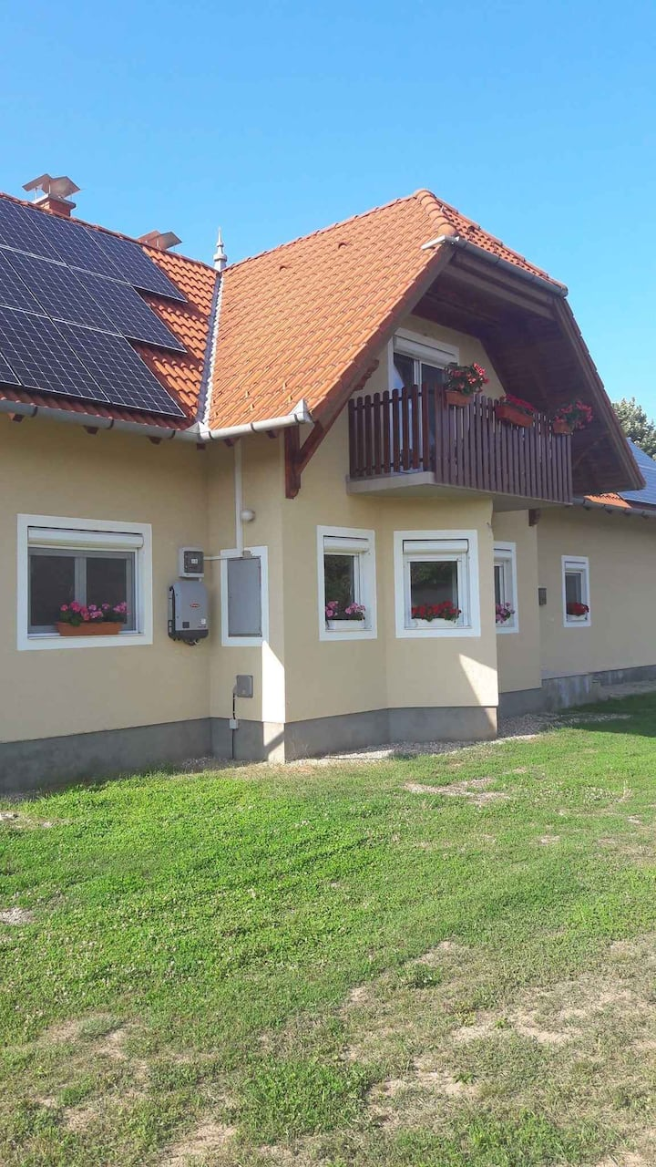 apt for 8 pers with WLAN in Balatonberény R102630