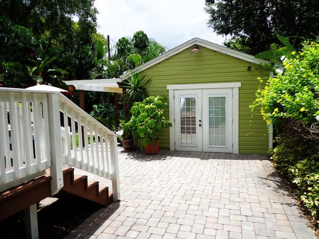 Delightful Cottage In Downtown Orlando