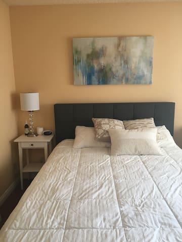Adorable Los Angeles 2 bedroom + 2 bath apartment! - Glendale - Apartmen