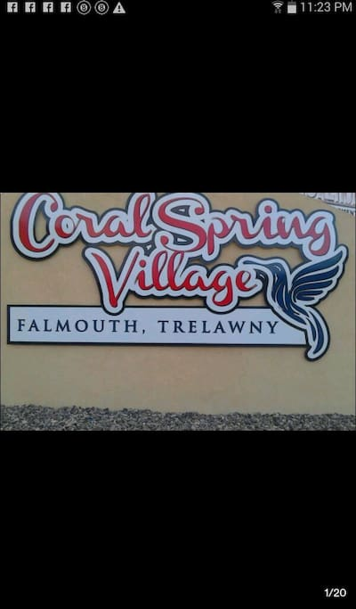 Coral Spring Village, 5 min away from the beach