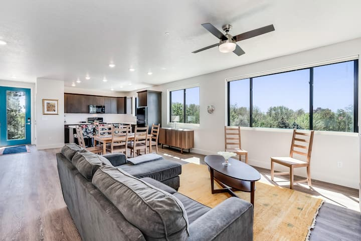 New 2 Bedroom Spacious Home with Spectacular Views