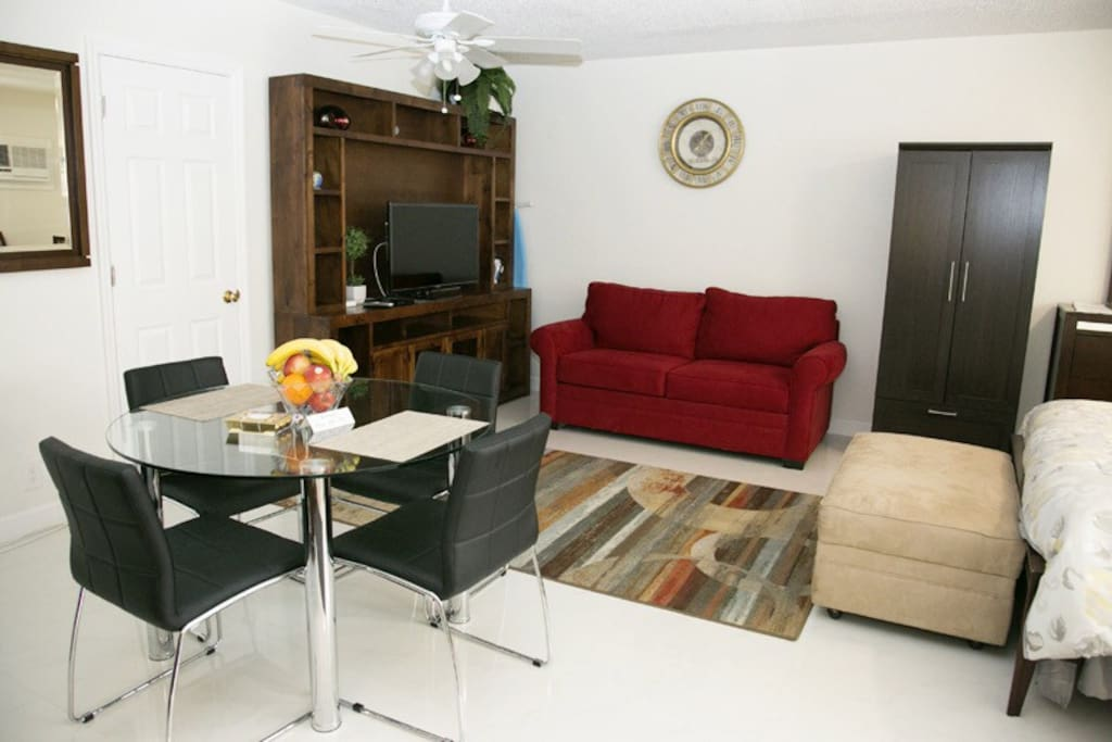 Dining and living space. Free high-speed wireless Internet. Free parking space outside suite.
