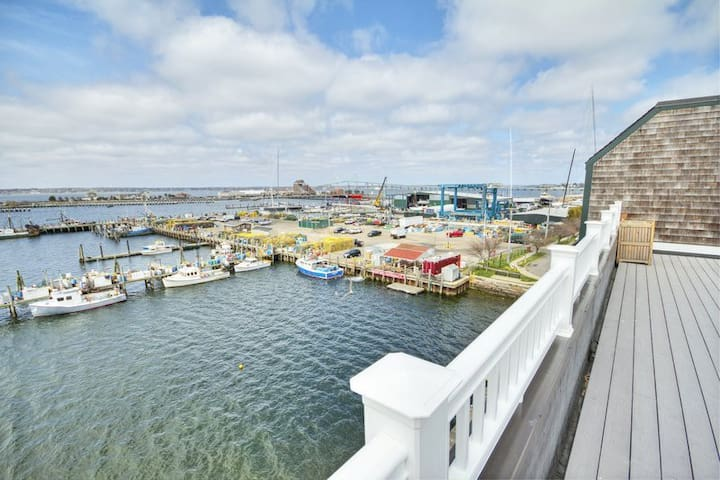 Labor Day Week Long wharf 3 bed  Sept 4-11th 2020