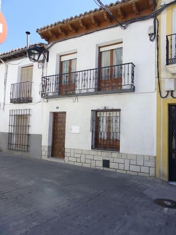 Preciosa casa en el centro de Méntrida