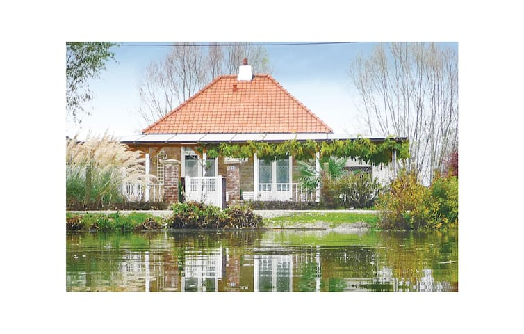 Holiday cottage with 2 bedrooms on 100m² in Houlle