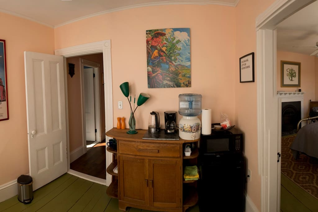 Mini fridge, microwave, plates, utensils and glassware for your convenience. Coffee and tea provided.