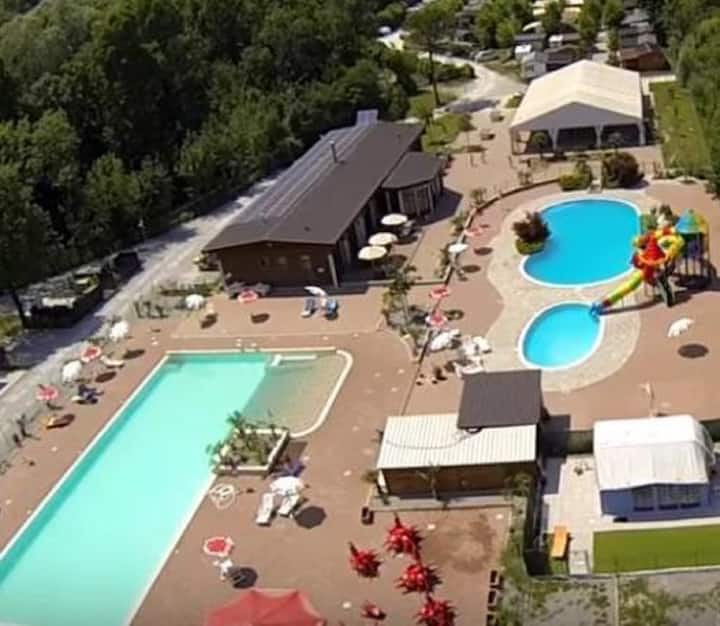 Holiday Chalet Italy directly on Lake Pusiano