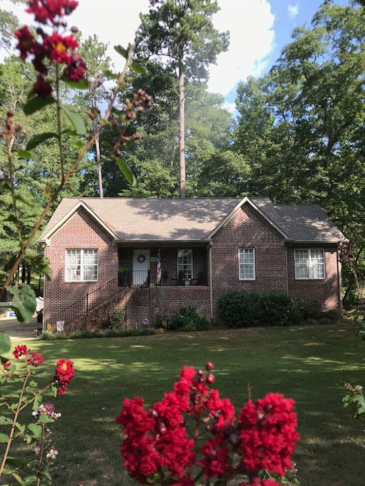 Lovely Christian Home 17 minutes from Downtown Birmingham