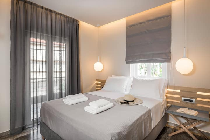 Sun Ray Luxury Suite 102 With Jacuzzi | 100m From Agia Marina Beach