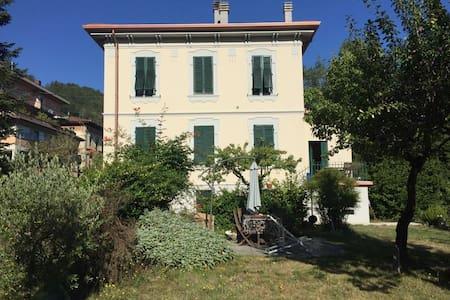 Liberty style Villa in Tuscany - Castelnuovo di Garfagnana - Villa