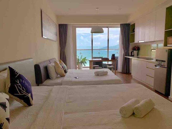 Sea view balcony apartment at 4* condotel@central