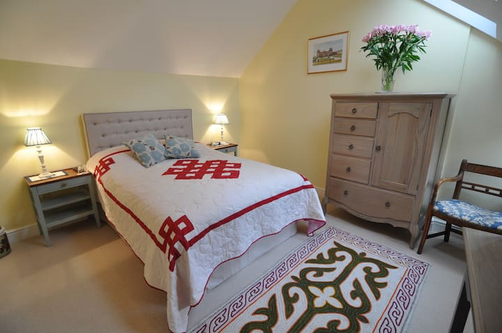 Talbot Lodge B&B in rural village nr Bicester Oxon