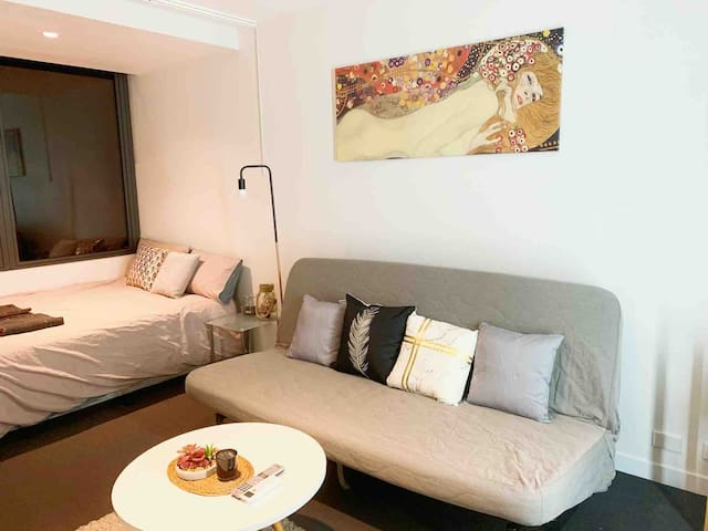 The Fashionista studio apt in Melbourne CBD