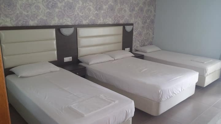Hotel Dioni Family room 2