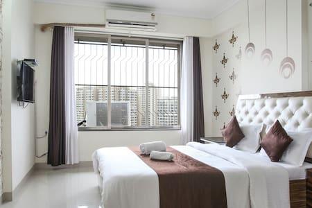 2 bhk service apartment in  goregaon west - 孟買