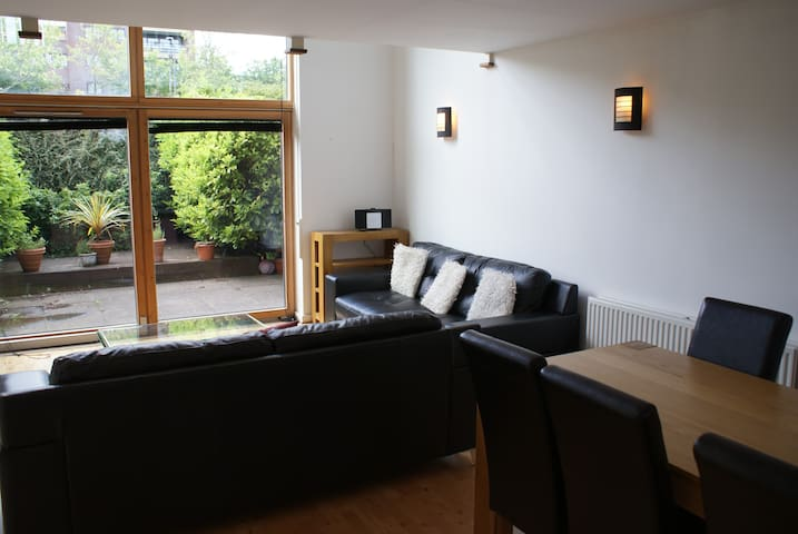 Shortletting by Centro Apartments Campbell Park MK - A7
