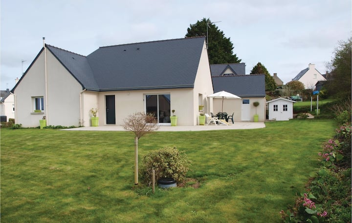 Amazing home in Trelevern with 3 Bedrooms