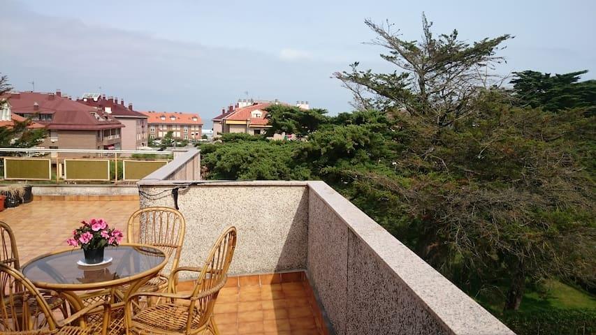 Ático con dos grandes terrazas. Playa de Somo - Kantabrien - Wohnung