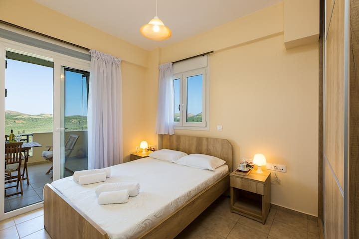 Relax and enjoy in Roumeli apartment