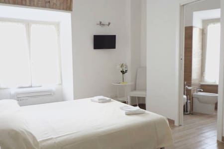 Queen's House B&B - Roma - Bed & Breakfast