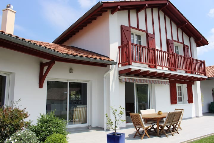 Maison pour 6 à 8 personnes maximum au Pays-Basque - Villefranque