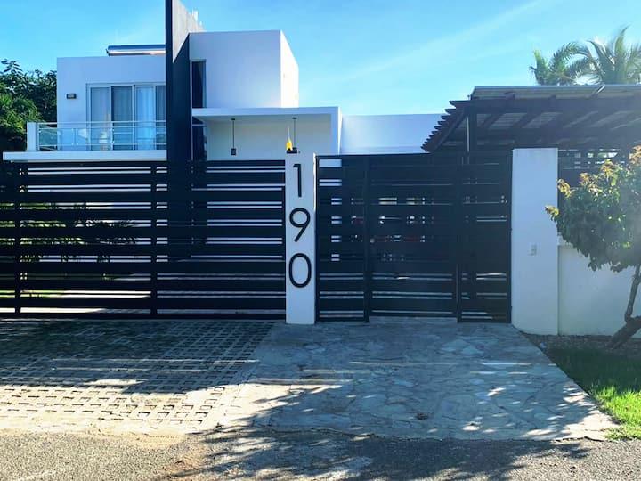Villa Perla Savoye Marina