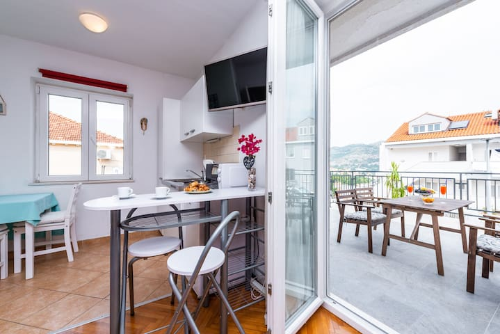 Lovely studio in Lapad Dubrovnik, large terrace