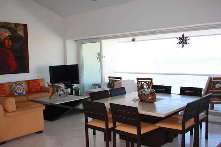Beachfront Penthouse, Best Views in Nuevo Vallarta - Bucerías - Apto. en complejo residencial