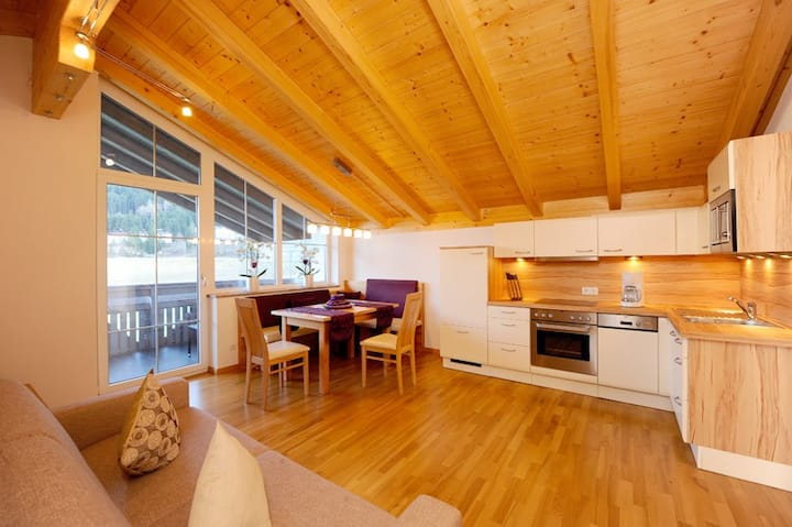 Apartment at a Tyrolean Farm for 3-6 guests   85m²