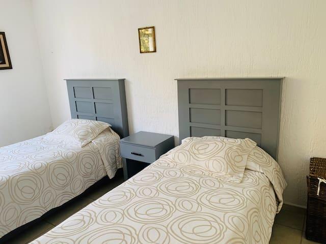 3 recámara 2 camas individuales