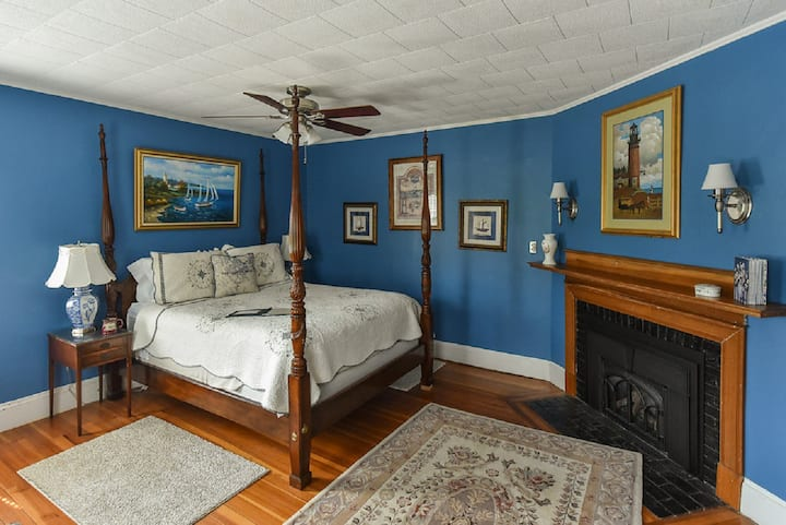 Chart Room - The Saltair Inn Waterfront Bed & Breakfast