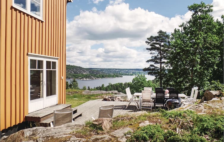 Holiday cottage with 6 bedrooms on 310 m² in Sætre
