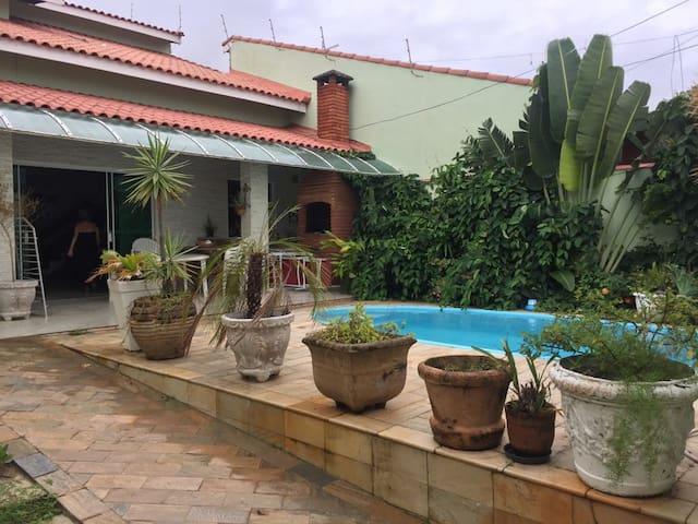 Casa em Peruibe,100mt da praia