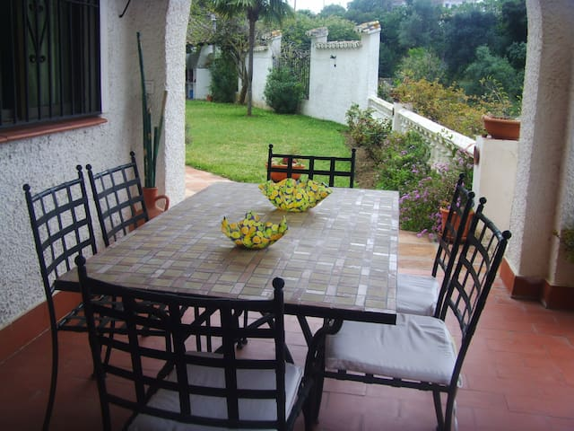 Lounge one diningtable of 2