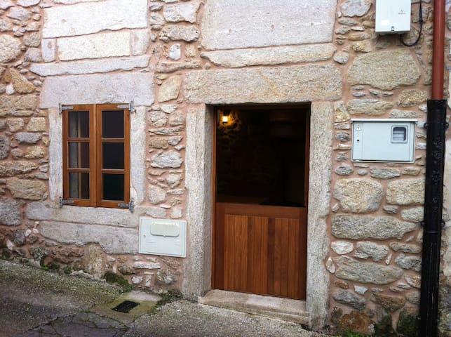 Casa rústica en el puerto de Corme - O Porto de Corme - House