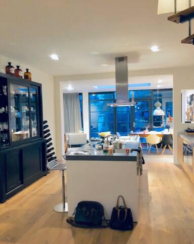 Amsterdam Loft | City Center | Family Apartment