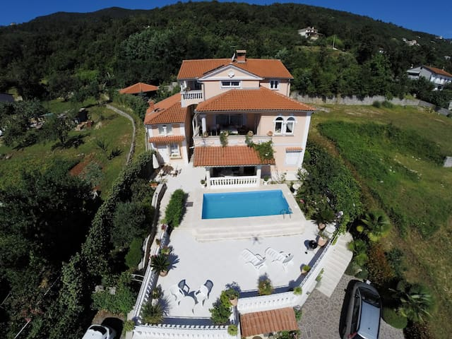Studio for 2 persons with pool in Lovran R66269