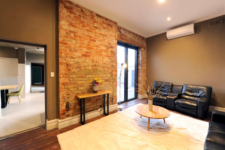 3 Bed Apt gateway to Swan Valley, close to airport
