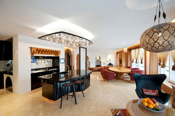 Oriental Penthouse in the heart of Salzburg