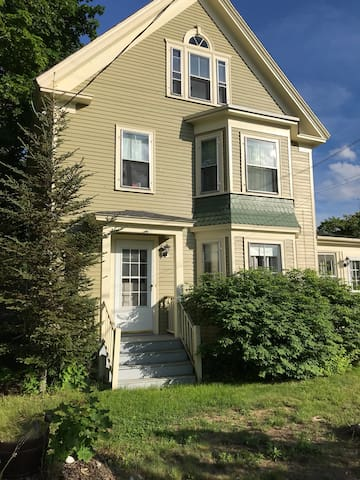 Rye NH Open for Summer  2 Bedroom Close to Beach