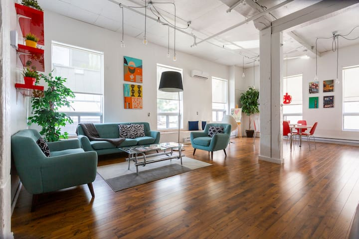 1500 sq. Loft Artiste close to Old Montreal