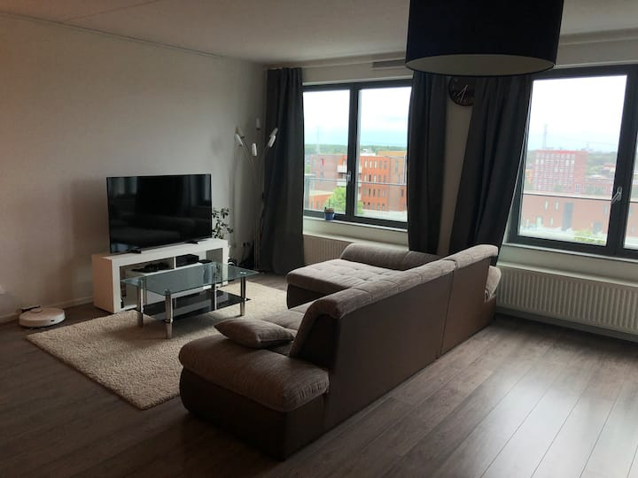 Big Luxury Apartment 15 mins from Central Station