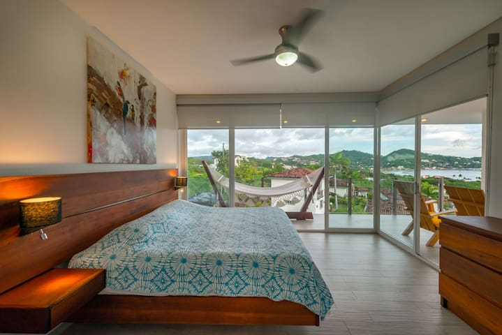 Incredible ocean view 5bdrm home with private pool