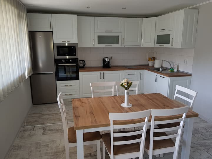 United Apartments - 3 bedrooms, 6 guests