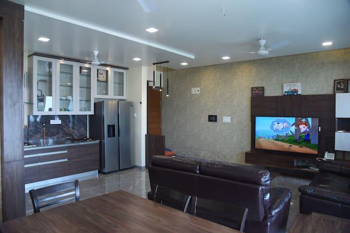 Designer Home with Skyline City Views