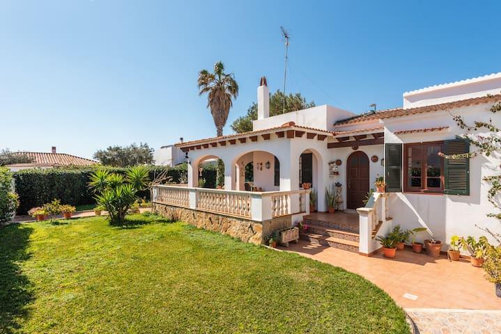 Villa Bon Sol- 500m to beach