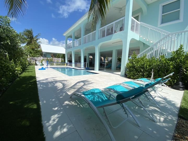 Blue Paradise 5bed/5bath Brand New Build with Private Pool & Slip Option