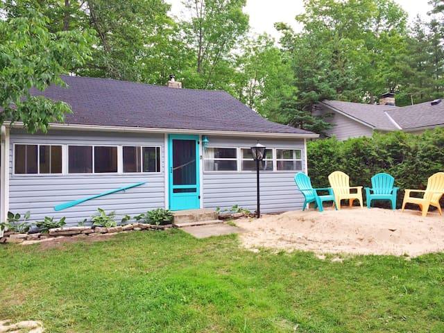 Vacation Beach House, 250m to the beach